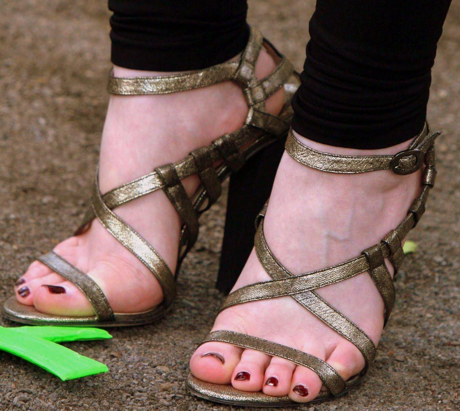 Michelle Trachtenberg Feet Starlight Celebrity