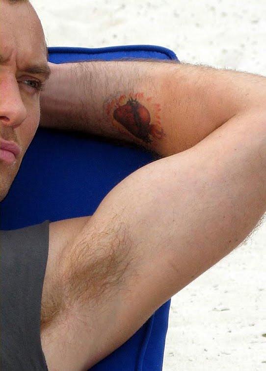tatuaje de cruz. tatuaje santa cruz tenerife. tatuaje jesus cruz.