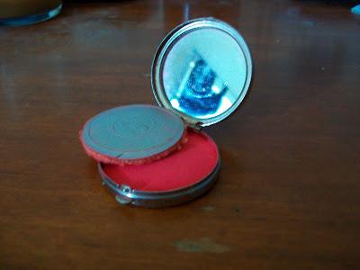 vintage makeup compact