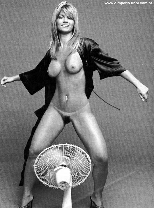 Miranda Cosgrove Nua Pelada Na Playboy