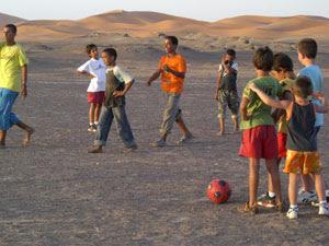 http://1.bp.blogspot.com/_bSbaolb_iSE/SNliZy_eTOI/AAAAAAAAAKU/n4iprQsbzuA/s320/futbol.jpg