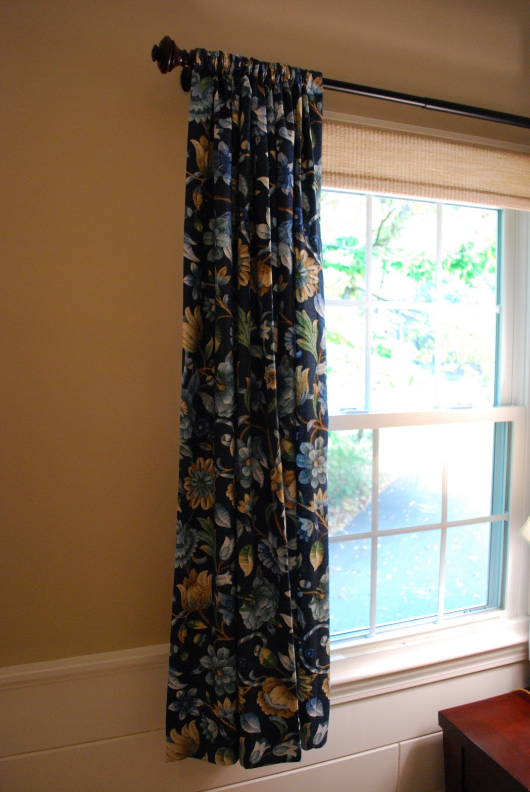New England Style: Casual Linen Drapery Panels & Woven Roller ...