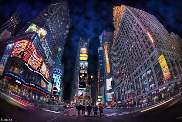 Times Square by Oliver Fluck