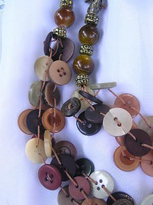 colar de botões