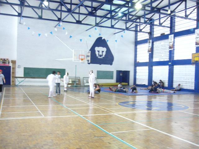 Educaci n f sica instalaci nes deportivas p9 for Gimnasio del centro