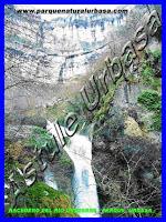 Cascada del Elefante. Reserva Natural del Nacedero del Río Urederra. Parque Natural de Urbasa Andía y Lókiz. Centro de Turismo Rural y Agroturismo Casa Rural Navarra Urbasa Urederra.