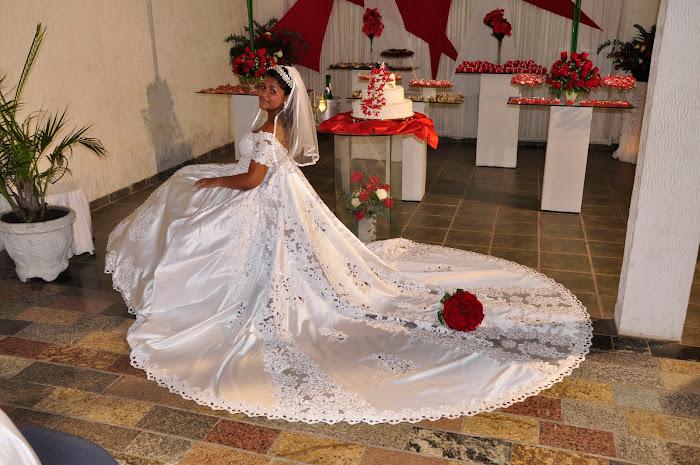 UMA LINDA NOIVA ,um maravilhoso vestido....