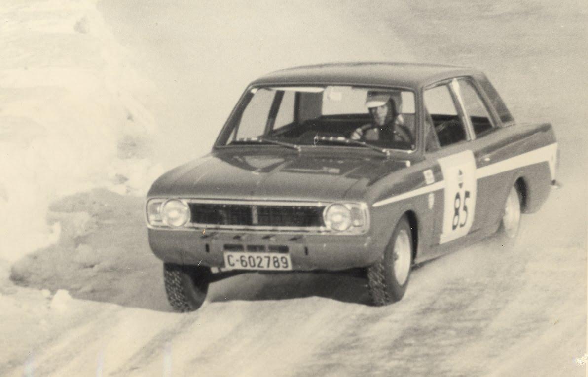 Nr. 13kl Rally Sørland 1961 renault. Nr. 7 Mjøsløpet 1961