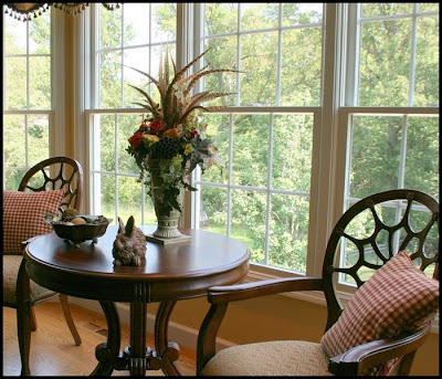 Site Blogspot  Living Room Chair Covers on Pulled The Round Table And Chairs From The Living Room And Added Red