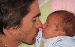 """Juanes, presenta a su nueo hijo: Dante"""