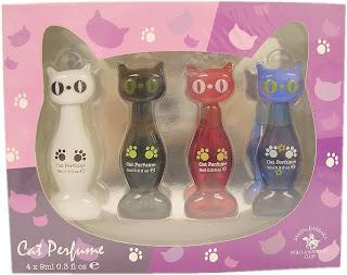 http://1.bp.blogspot.com/_beRy5NjGwZE/TO52rnCpdAI/AAAAAAAAADk/x6Kgptu2PSc/s1600/Cat_Perfume_Set_48aa792984d01.jpg