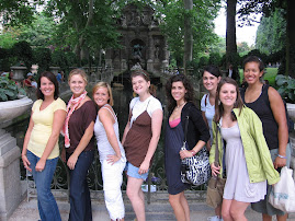 My favorite French Fountain and the K-State girls!