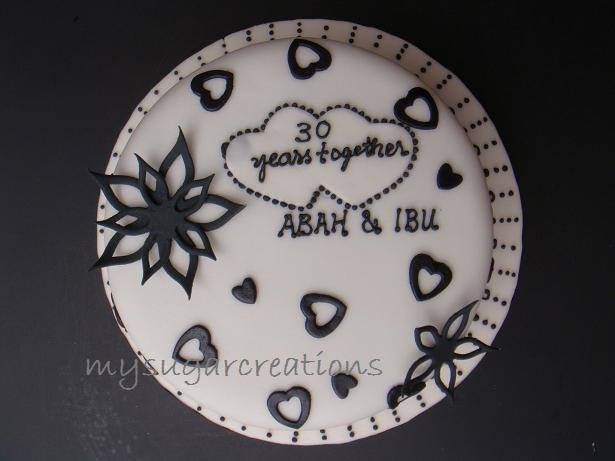 30th Wedding Anniversary Cake Oolalahblack and white Just love it