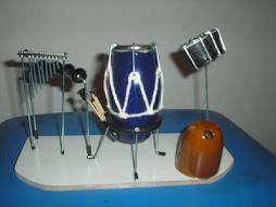 Mini palco percussão com porta caneta