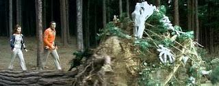 Space: 1999 - Dangerous plants!