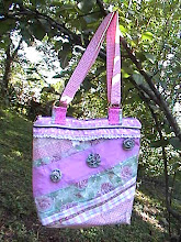 Roses on Parade Shoulderbag Purse