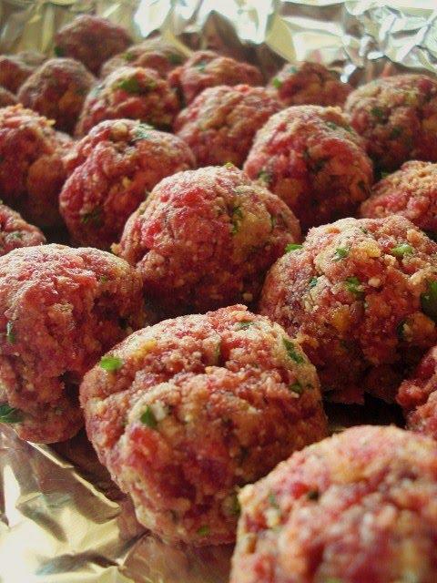 Season's Best Eats: Sicilian Meatballs with Homestyle Tomato Sauce
