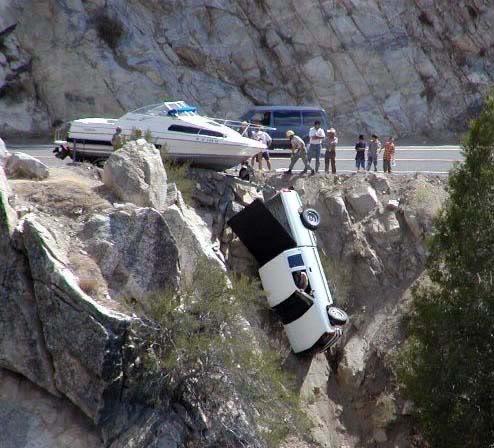 Kecelakaan Paling Aneh