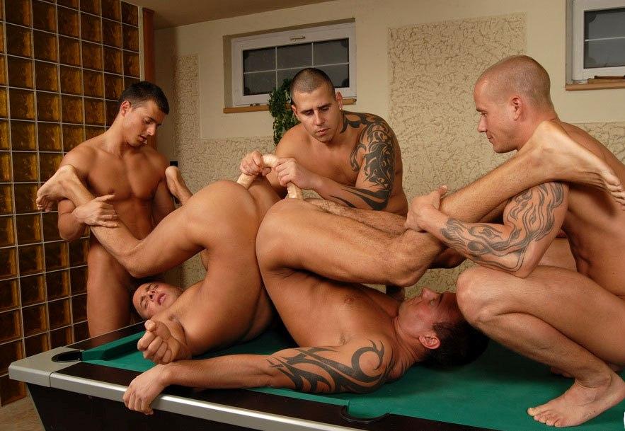 порно ролики группово сексе геев