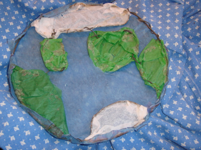 Mosaic Academy-Student Art Samples: Sculpture: paper and wire