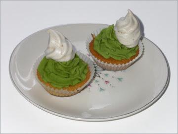 stripey iceberg flavoured cupcakes