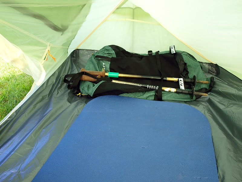... the inner tent at the foot end. Initially I thought the porch was small but I could easily set up the MSR Reactor and still have plenty of extra space. & Stayinu0027 Alive: Vaude Power Lizard