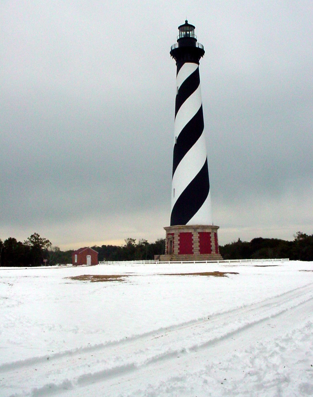 [lighthouse.jpg]