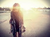 Cientos de caminos hacia donde dirigir mi vida y estoy perdida en mitad de ninguno.