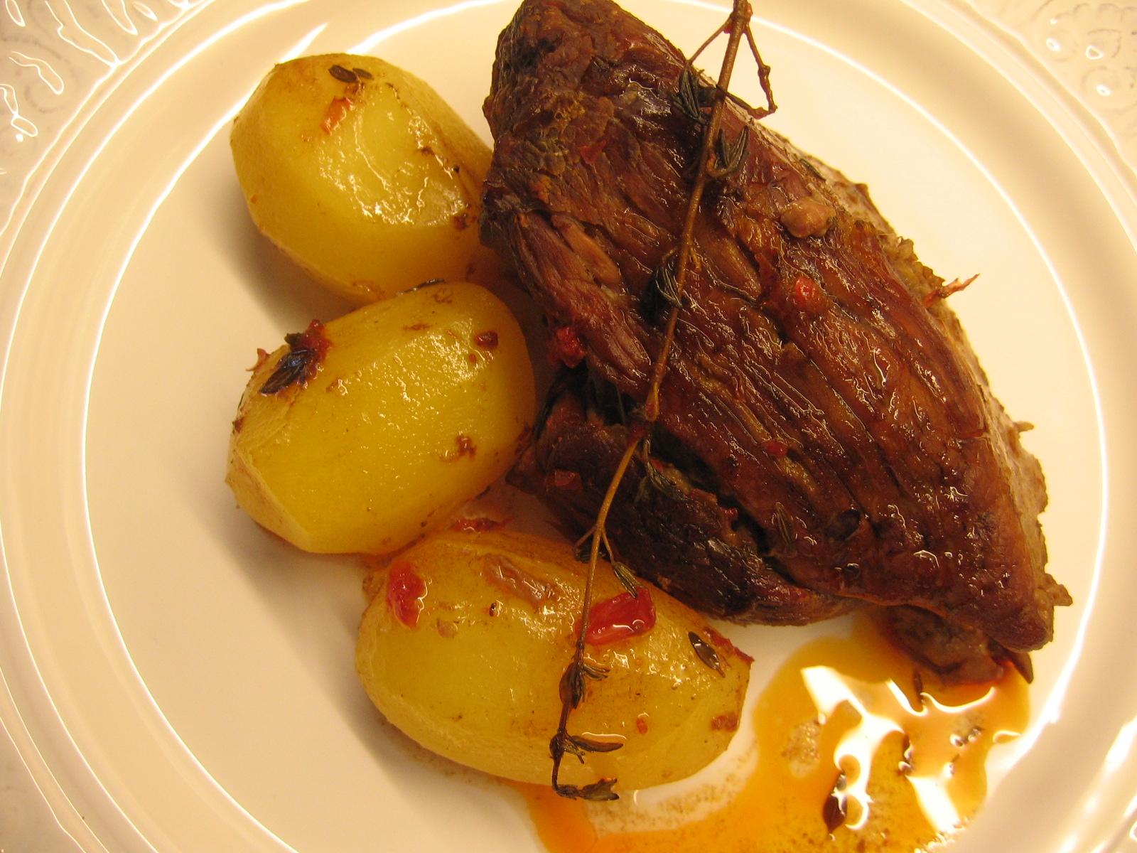 <b>Carne assada recheada</b> no <b>forno</b> com <b>batata</b> - Dica Links 2014