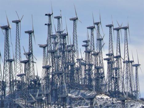 http://1.bp.blogspot.com/_blnN-QHR9C4/TTlPRuezmjI/AAAAAAAAAqY/PBX9WdFR0Js/s1600/tehachapi-wind-turbines-p1+%25281%2529.jpg