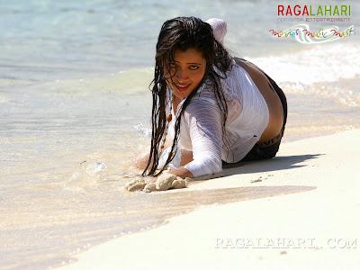 navneetkaur wet panty at beach