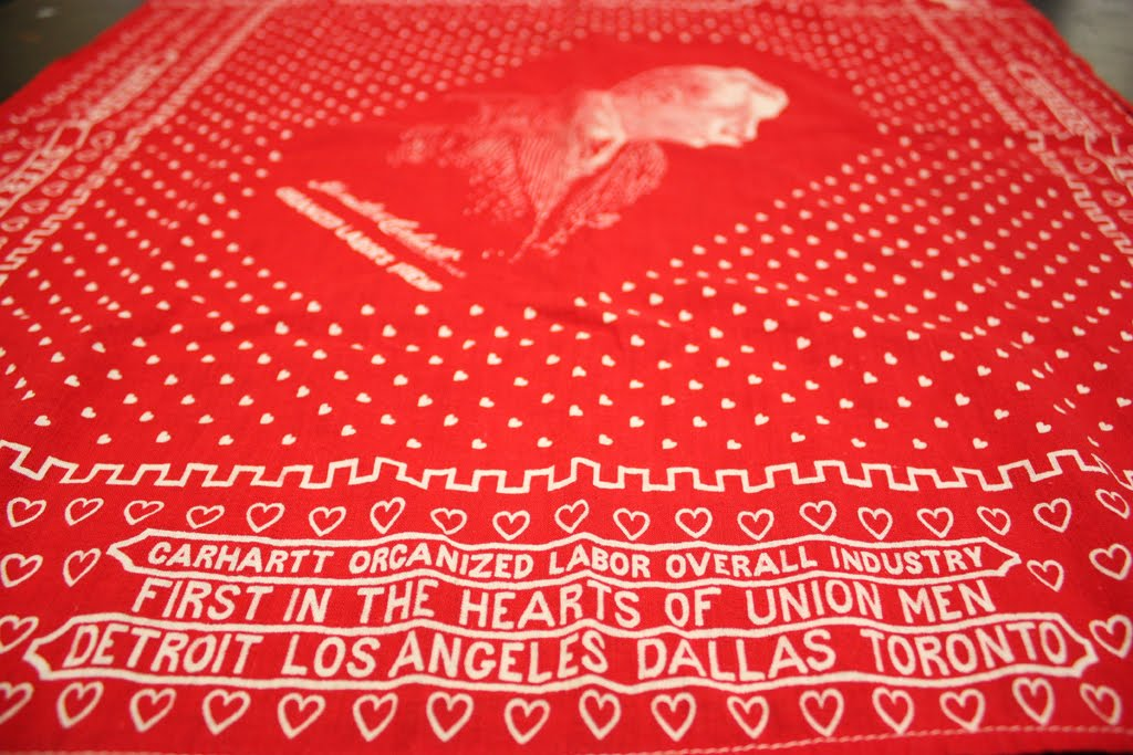 dating vintage bandanas Vintage replicas from levi's san francisco archives levi's introduced levi vintage clothing to keep the history of levi's denim alive: since 1999, the famous historical originals from the levi's archives in san francisco, dating back to 1880, are faithfully reincarnated in this limited edition range.