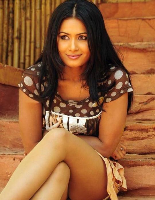divya dwivedi actress pics