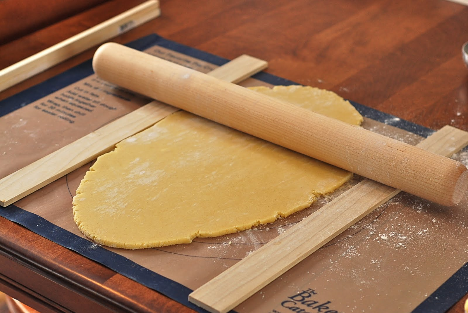 how to roll out cookie dough evenly