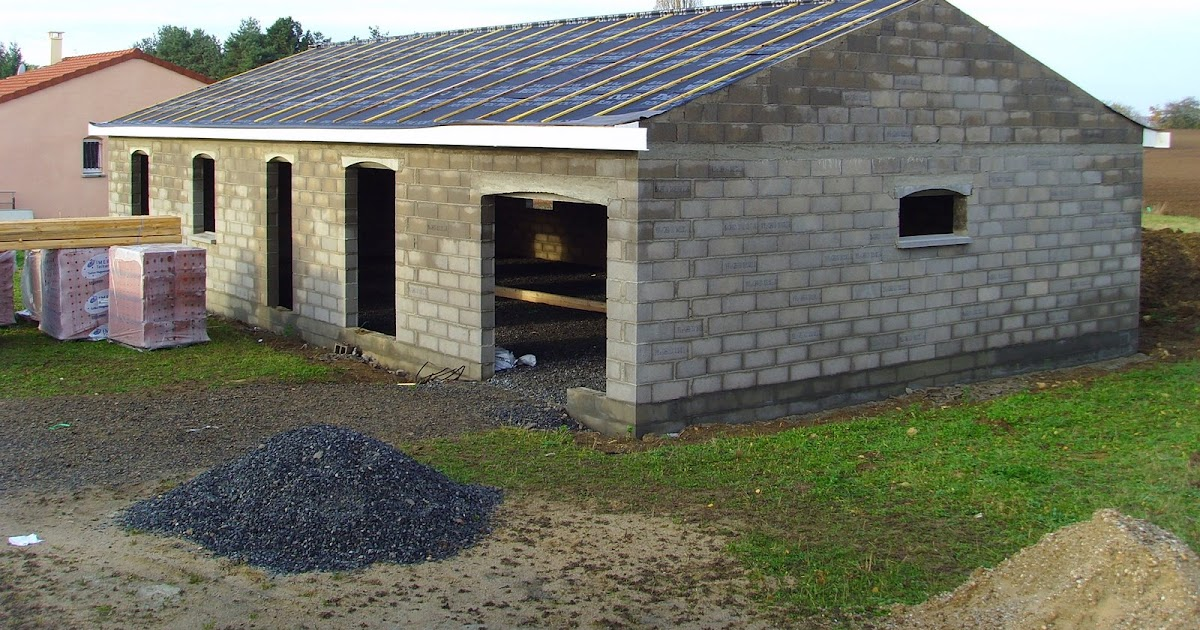 Maison Seuillet: Pvc terminé et bâche sous-toiture posée.