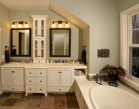Fine details make this Owner's bathroom stand out from the crowd.