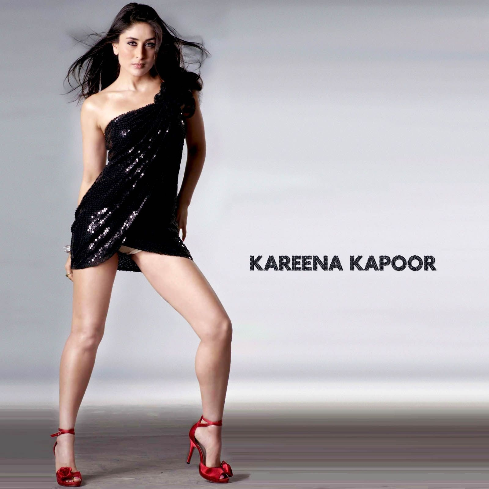 Outstanding Kareena Kapoor Hot 1600 x 1600 · 238 kB · jpeg