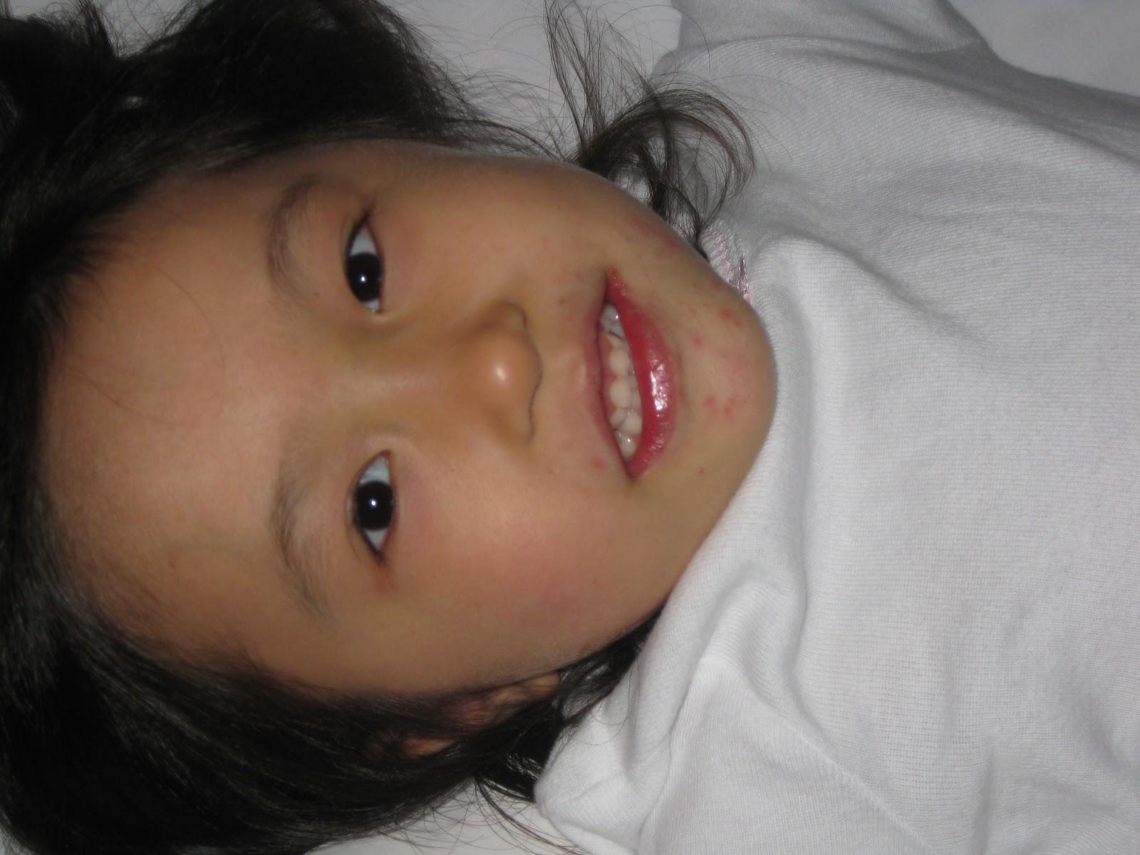 http://1.bp.blogspot.com/_bvIq3s9oxIs/TLRCp4jRDNI/AAAAAAAAAXE/75XKvNLwlys/s1600/happy+girl+4.JPG