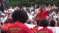 Dirigiendo la Orquesta Infantíl en Portugal