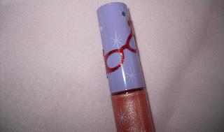 mac dame edna splendid lipglass detail
