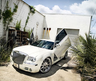 2006 Chrysler 300C Photography by Webb Bland 4