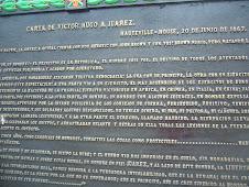 Letrero en Estatua de Milán