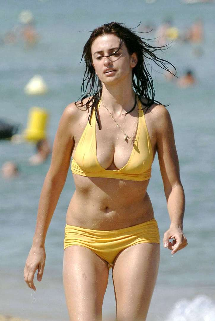 Hot Penelope Cruz in Bikini,Penelope Cruz,Hot Hollywood ... Javier Bardem Bio