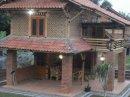 rumah bambu tingkat