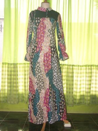 Rezky Jaya: Menjual Pakaian Muslim Wanita
