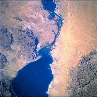 Mengenal Sejarah Terusan Suez