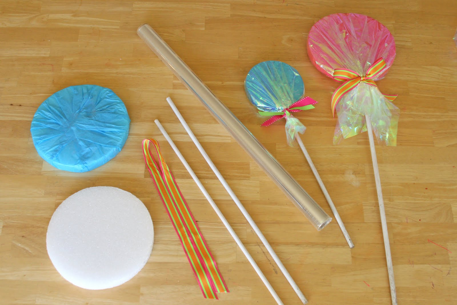 How-to} Make Giant Lollipop Decorations