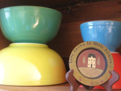 Colorful Antique Pyrex Bowls