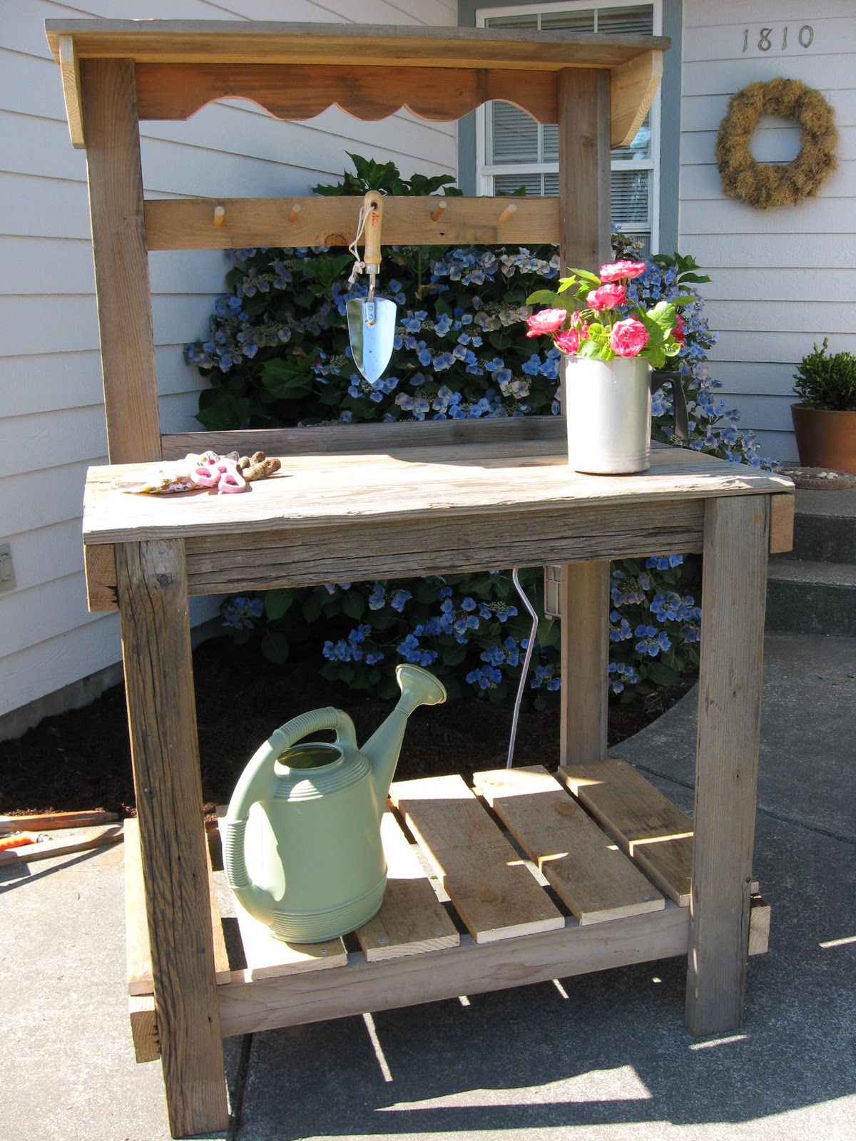 Rustic Potting Bench 28 Images Xxx 9074 1332614379 1 Jpg Rustic Potting Bench With Window