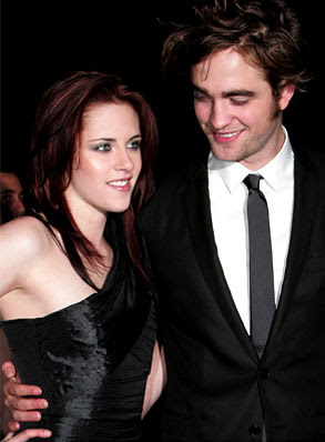 Twilight co-stars Robert Pattinson and Kristen Stewart get cozy ... New York Daily News - Nicole Lyn Pesce - ‎Aug 17, 2009‎ Robert Pattinson and Kristen Stewart attended the Kings of Leon concert with several of their Eclipse co-stars. ...